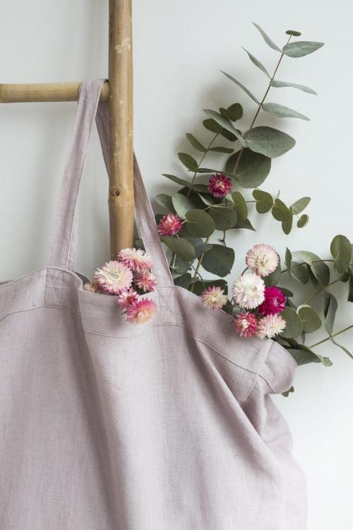 Détail du grand cabas en lin vieux rose